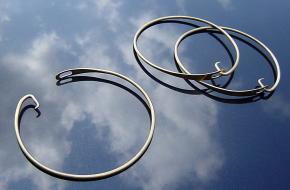 Stringer made of brass